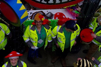 Elrow_tobaccodocks_2017_Stewards11.jpg